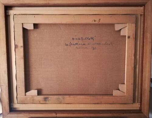 Retro quadro con informazioni sul titolo, data e firma dell'autrice