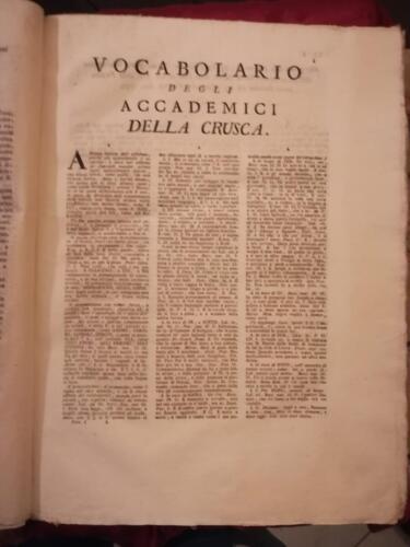 Titolo e testo  a tre colonne