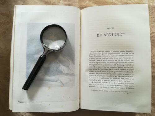 Inizio del testo riguardante Madame De Sèvignè . (Tutte le incisioni del libro sono coperte da una velina protettiva).