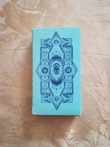 Retro scatola in ottime condizioni del mazzo di carte divinatorie.