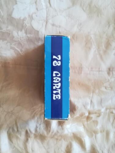Bordo della scatola che elenca il numero del mazzo di carte dei tarocchi.