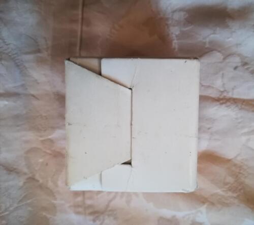 Fondo della scatola cubica.