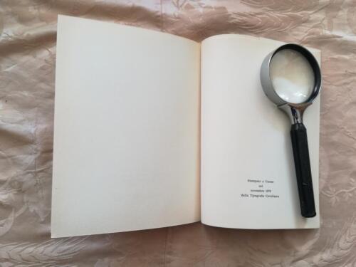 Nome dell'editore e data scritta in fondo al libro.