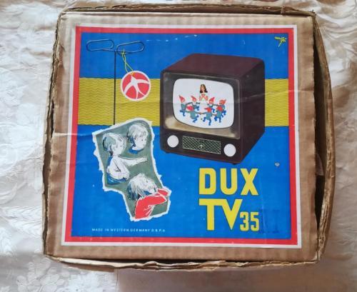 Veduta della scatola originale del televisore per bambini Dux Tv 35.