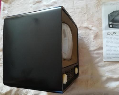 Veduta dei lati e delle condizioni del Dux Tv.